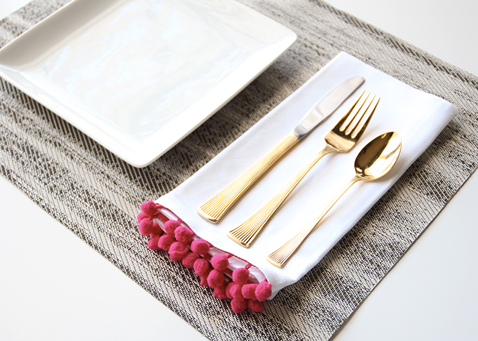 DIY: Pom-Pom Fringe Place Mat + Dinner Napkins | Spray ...