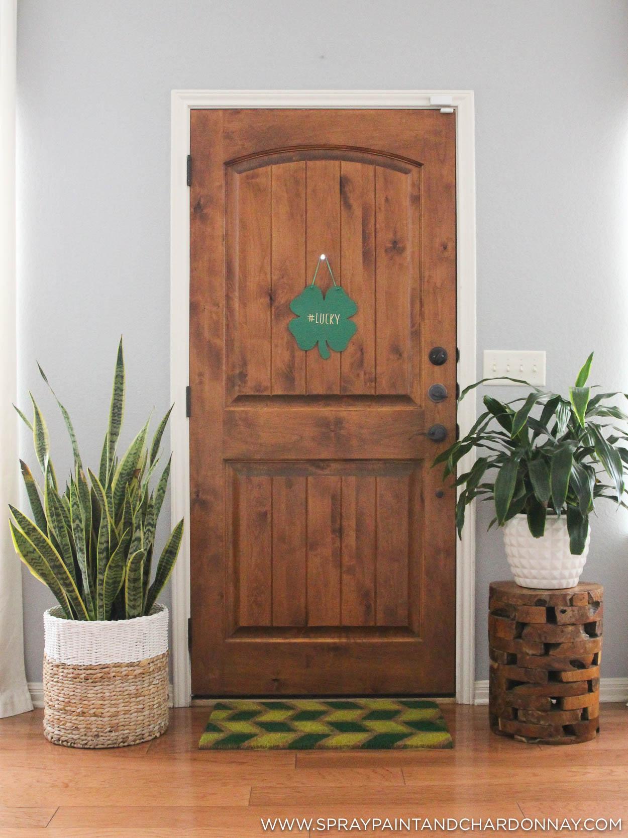 diy geometric painted door mat spray paint chardonnay. Black Bedroom Furniture Sets. Home Design Ideas
