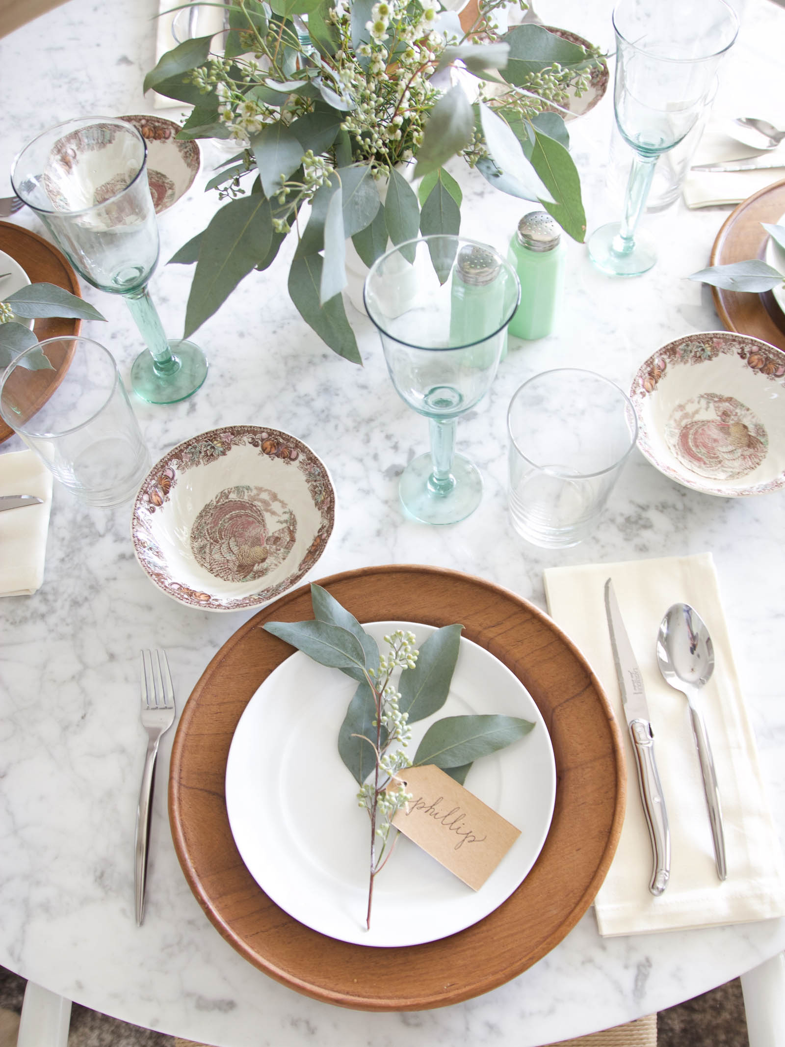How to Set an Effortless Fall Table | Spray Paint & Chardonnay